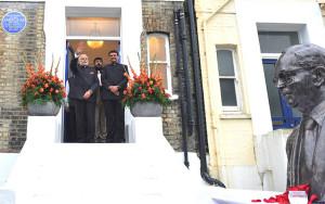 modi fadanvis unveils-ambedkar-memorial-at-london