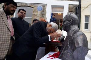 pm-modi-unveils-ambedkar-memorial-at-london1